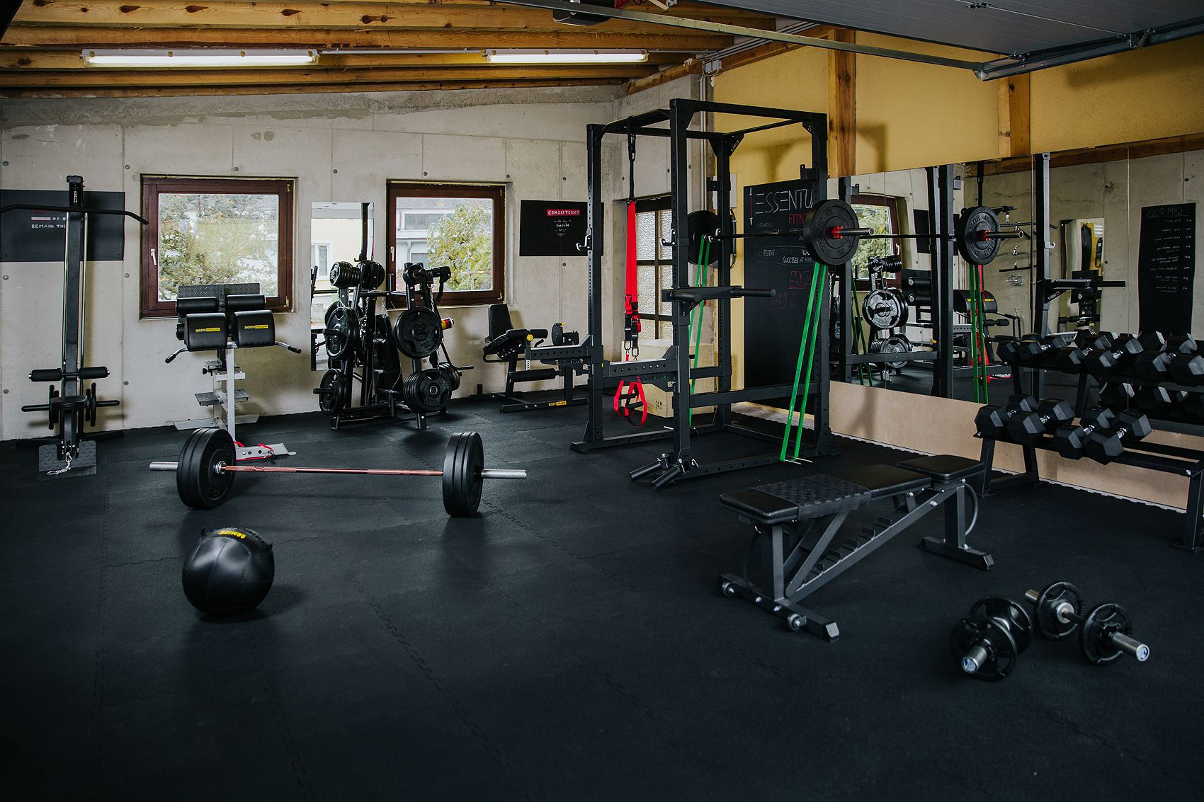 Home Gym V - Essentual Garage Gym
